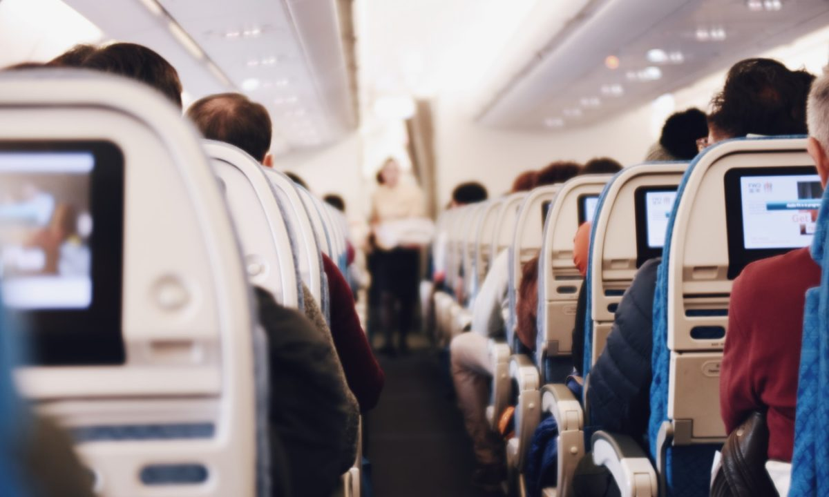 60 Ways to Entertain a Kid on an Airplane