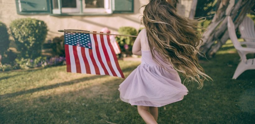 Do you feel like sparklers and firecrackers are holiday hazards with little ones around? Keep your kids entertained and safe this Fourth of July by celebrating with these fun alternatives to fireworks.