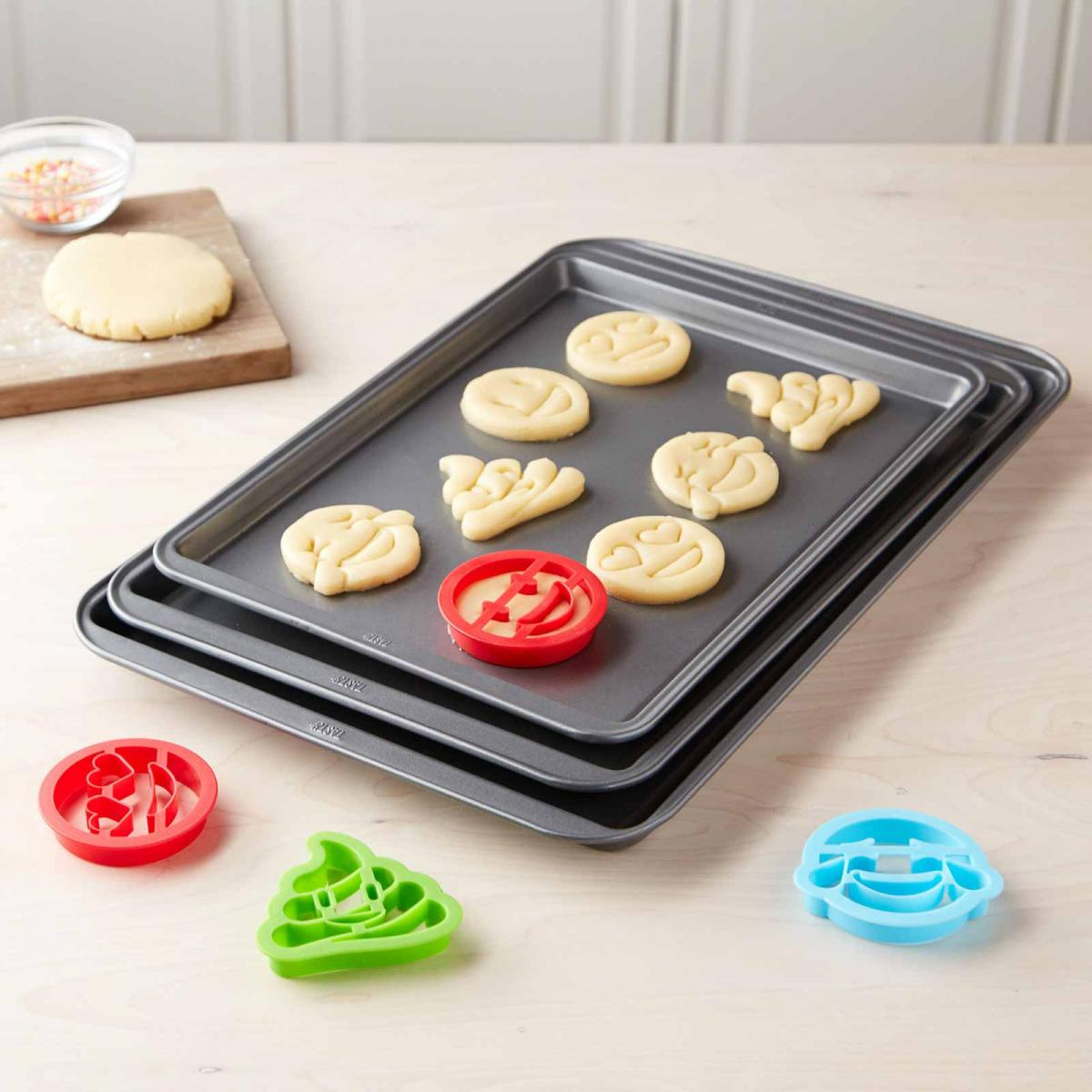 Tasty 3-pc Cookie Sheet Set with 4 Cookie Cutters