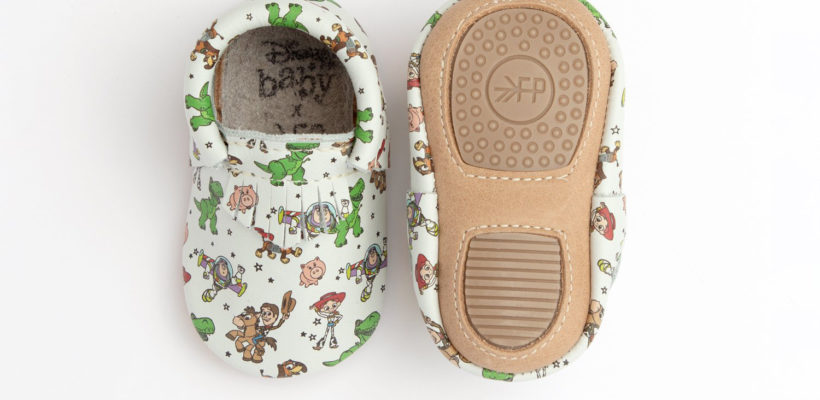 Freshly Picked, the brand that brought you the original baby moccasin, recently launched their latest Disney collaboration just in time for Toy Story 4. These five new pairs of Toy Story themed moccasins are super cute and perfect for a…