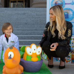 Bill and Giuliana Rancic Team Up with Learning Resources to Bring STEM Toys to Chicago Schools