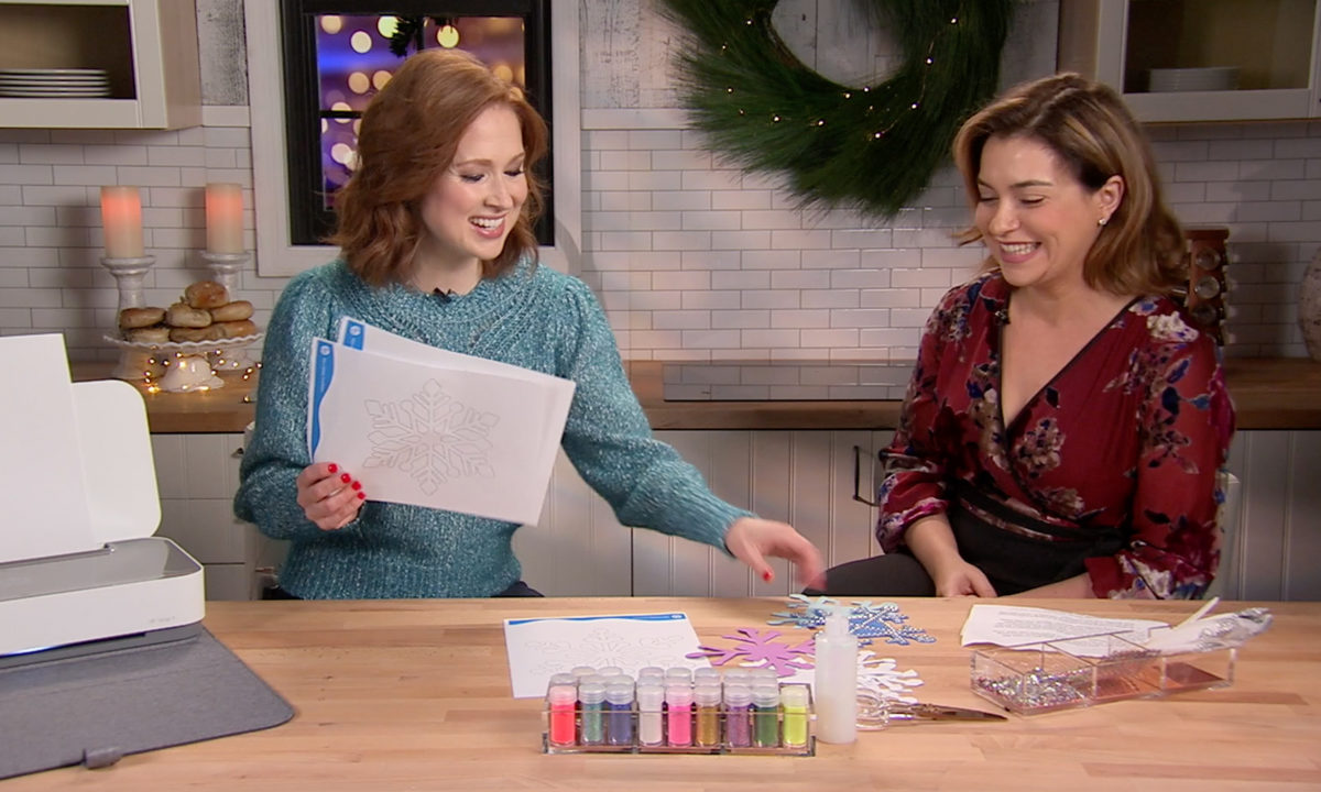 Ellie Kemper Reveals Her Tips On Getting Families To Connect During The Holidays
