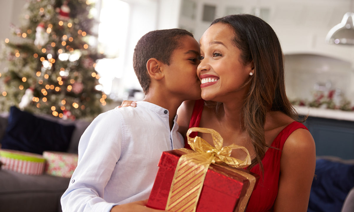 Great Gift Ideas for Mom that She Will Love This Season