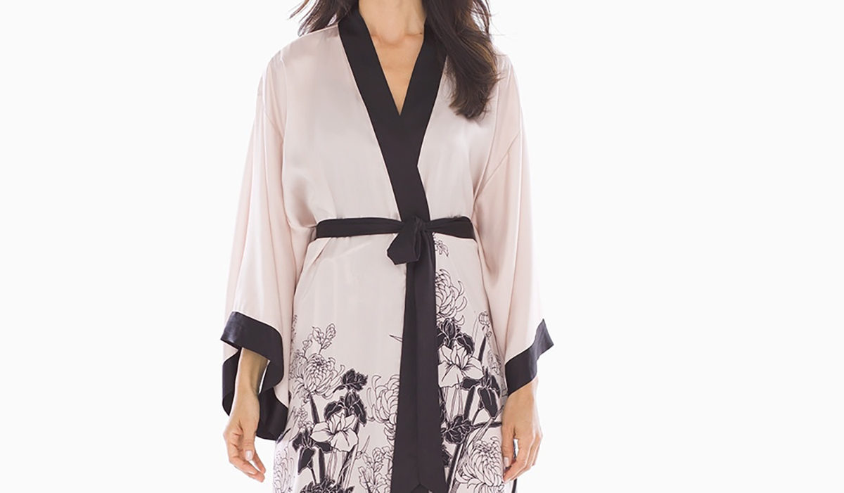 This Chrissy Teigen-Approved Robe Is on Sale Right Now