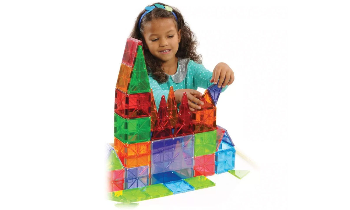 Mindy Kaling Can't Help Stealing Magna-Tiles From Her Kid and Neither Can We