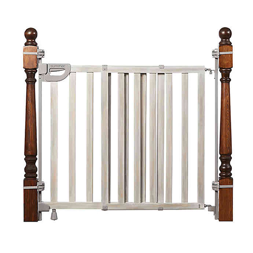 Summer Infant Wood Banister and Stair Safety Gate