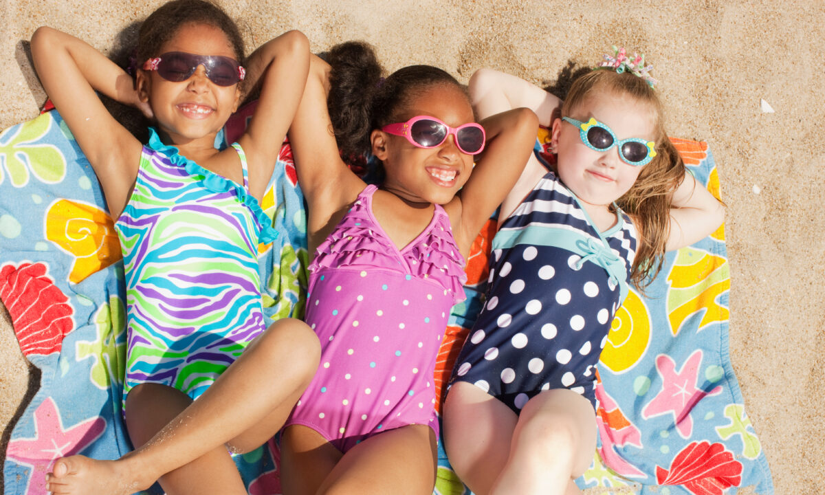The 10 Best Kids Beach Towels to Keep Them Warm and Dry After a Long Day of Swimming