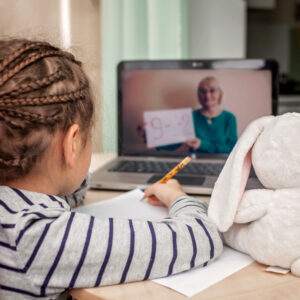 Parents Are Calling This Virtual Learning Service a 'Game-Changer' Thanks to Its Live Classes and Homework Help
