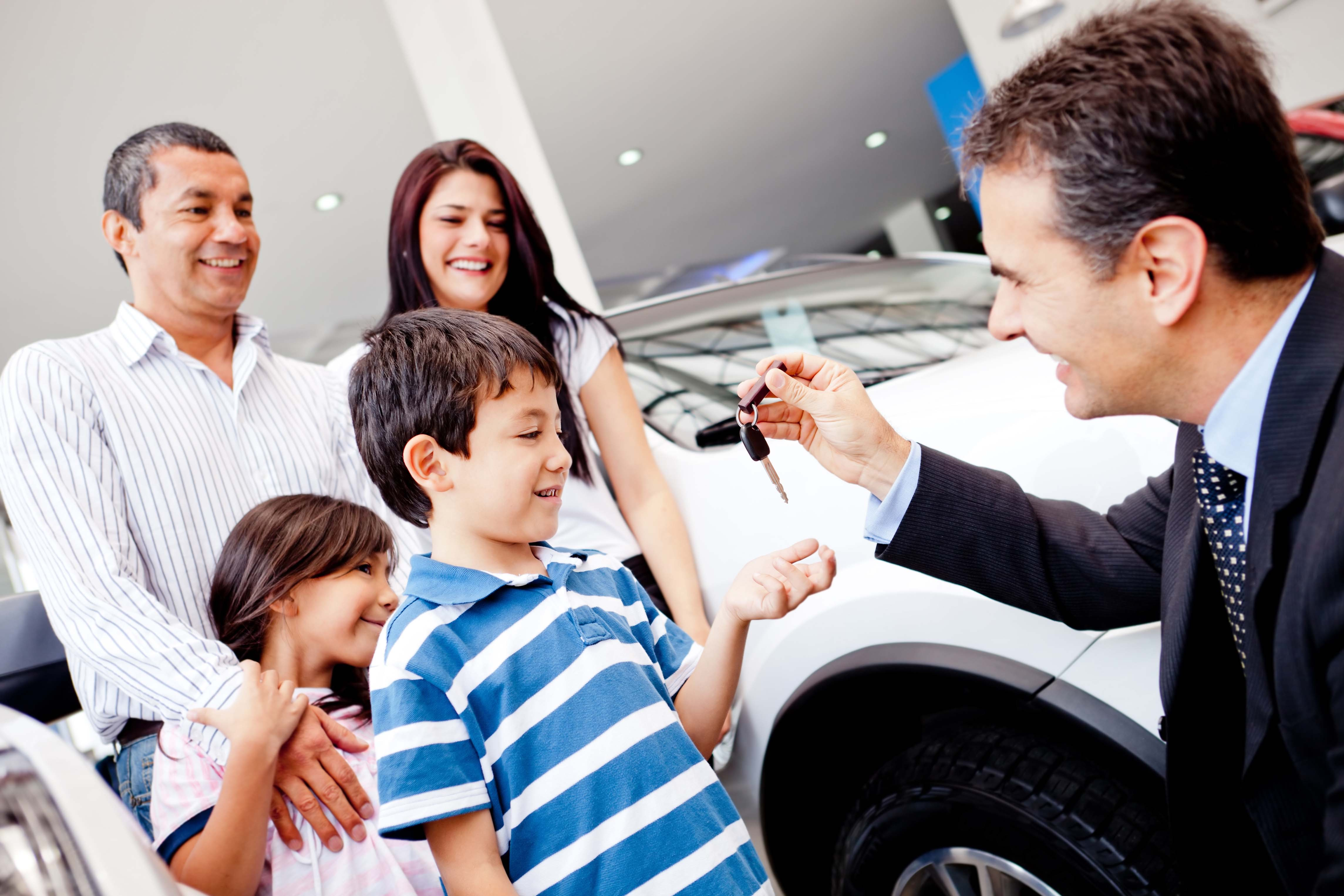 10 Tips for Successful Family Car Buying