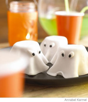 Spooky Ghost Cakes
