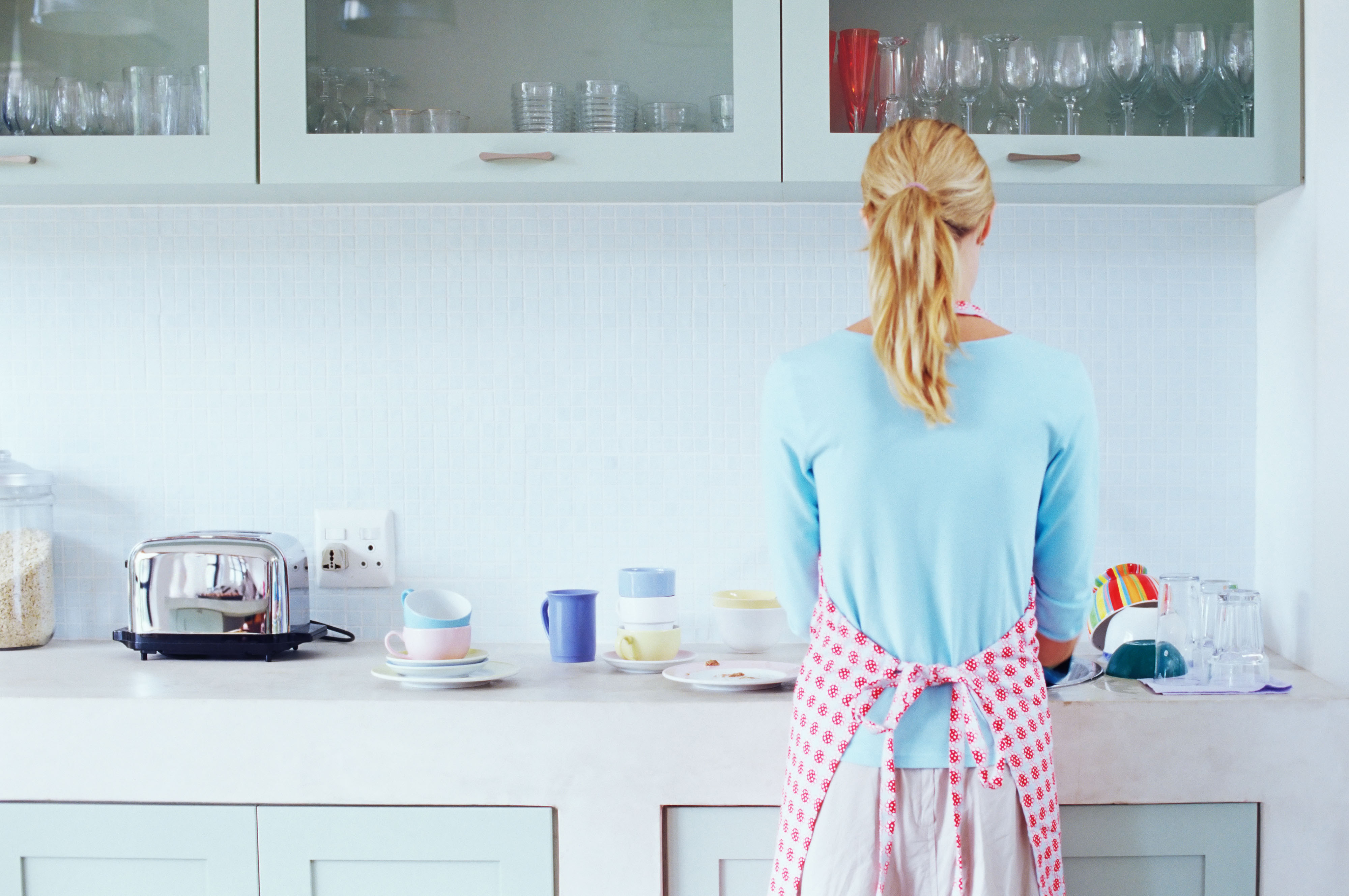 Wives vs. Husbands: Who Does More Chores?