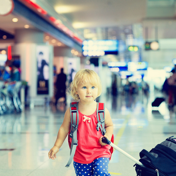 10 Busy Bags Ideas to Make Traveling with Toddlers Easier