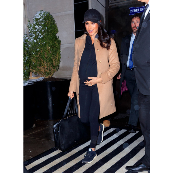 Meghan Markle Airport Maternity Outfit