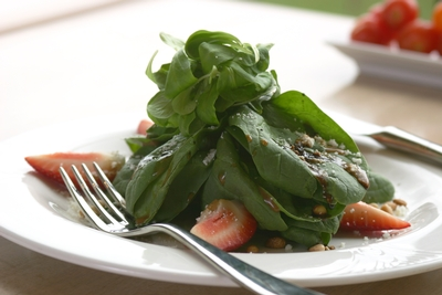 Spinach Salad with Strawberries and Oranges